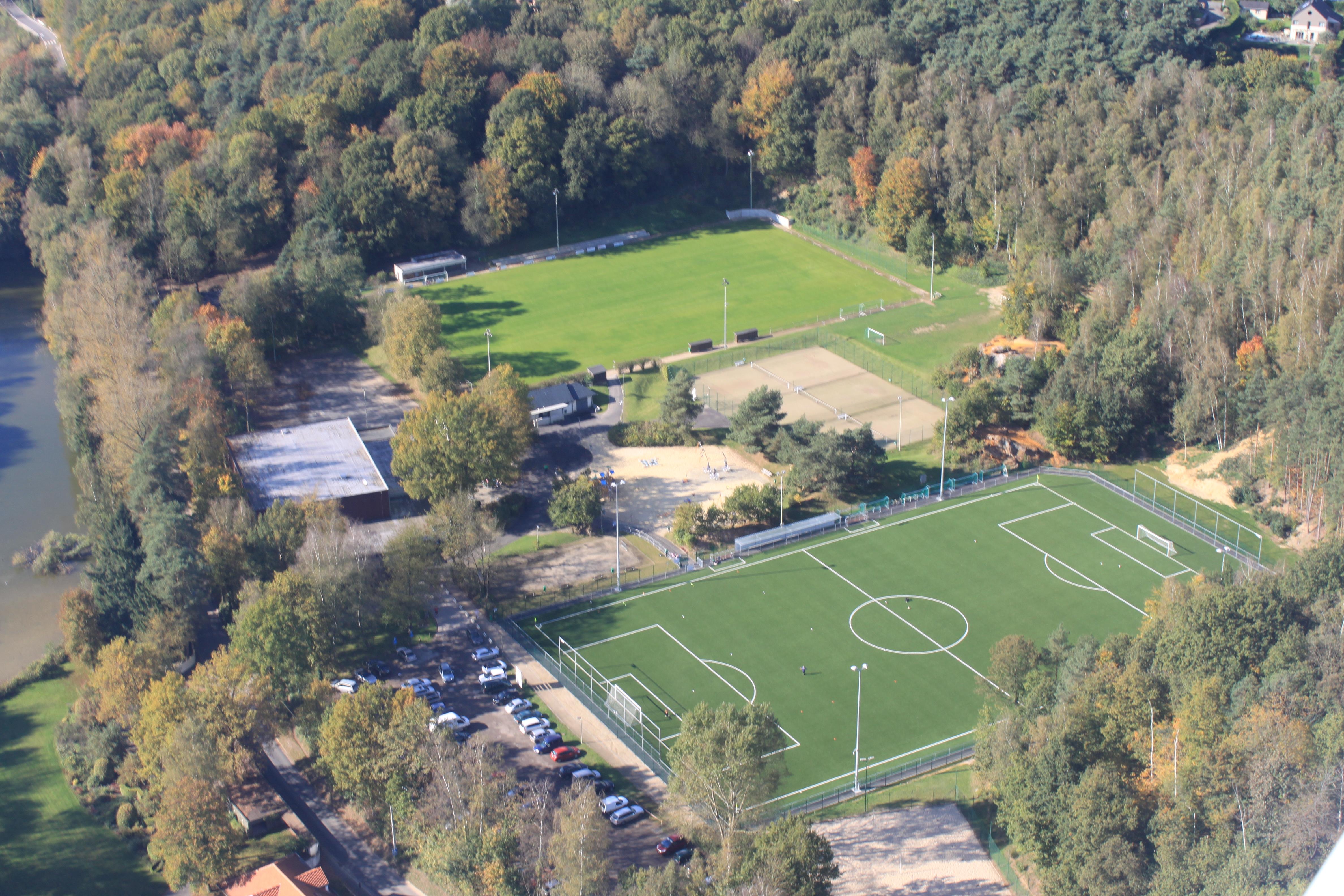 Centre sportif photo aérienne.jpg